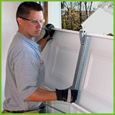 Garage Door Shop Repairs Fort Lauderdale, FL 954-671-1634